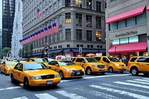 In vielen Teilen der Welt ist der Personentransport teilweise stark reguliert und reglementiert.